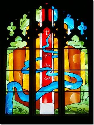 Stained_Glass_Window_in_the_Chapel_of_Goodrich_Castle_-_geograph.org.uk_-_88164